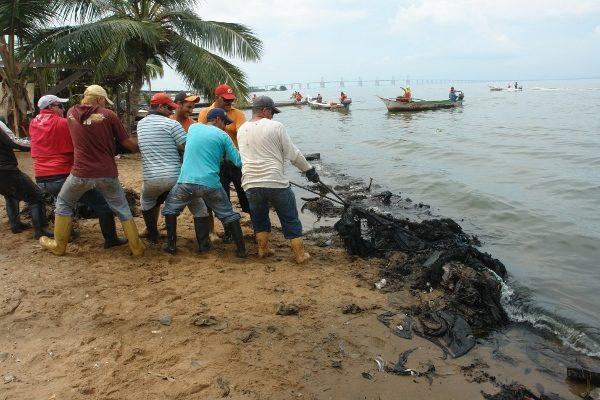 Derrame-de-Petroleo-en-Lago-de-Maracaibo