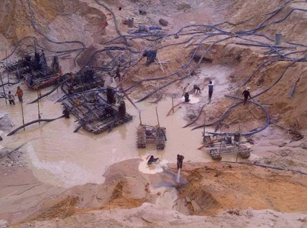 Minería en Parque Canaima