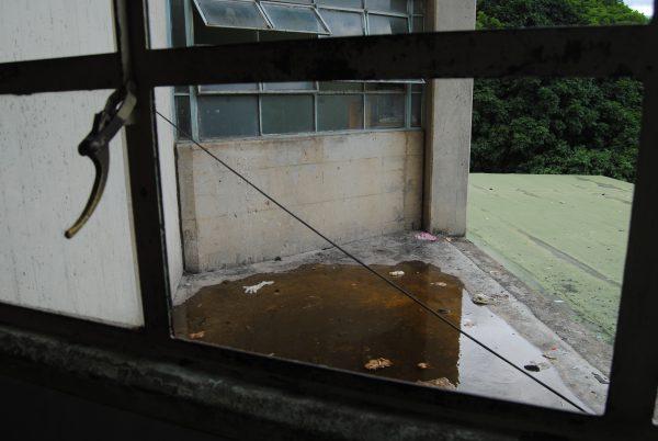 El Hospital de Los Magallanes de Catia está lleno de mosquitos. Las ventanas deben estar abiertas porque no hay aire acondicionado